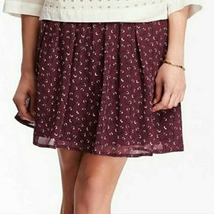 Old Navy | Burgundy Floral Lightly Pleated Skirt